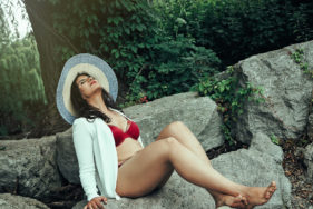 Toronto Boudoir Photography by Female Photographer Alishba — 40th Birthday photoshoot idea dreamboudoirtoronto.com