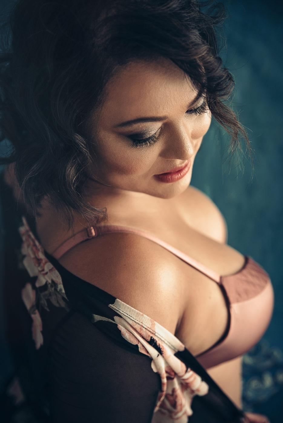 40 Birthday Boudoir Photography For Women  Toronto -4999